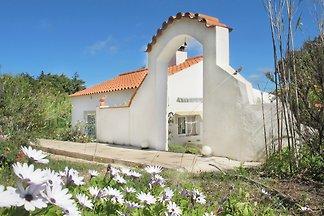 Gelbes Haus mit Panorama-Sicht