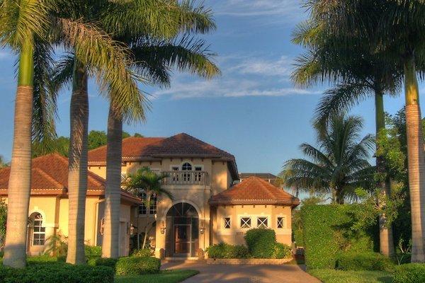 Luxus-Villa im Golf-Resort en Naples - imágen 1