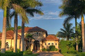 Luxus-Villa im Golf-Resort