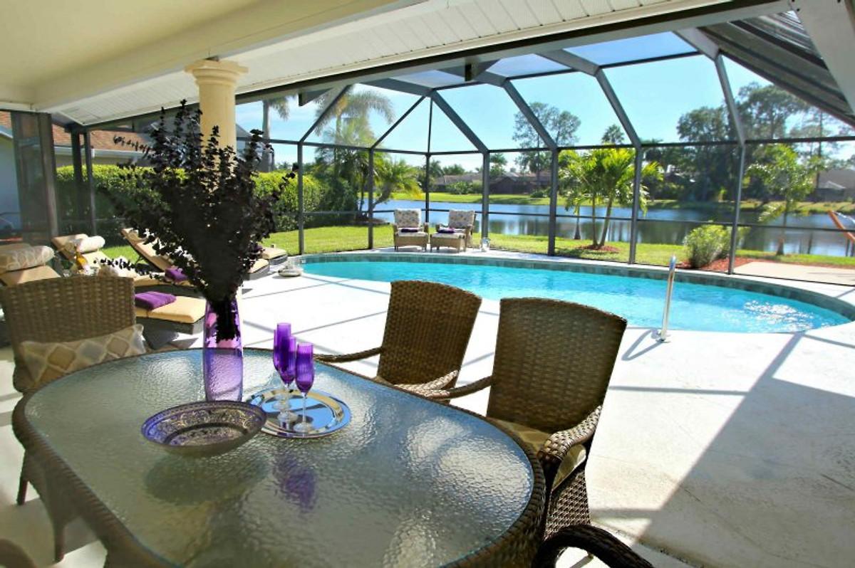 exklusive villa am see in s dlage ferienhaus in naples mieten. Black Bedroom Furniture Sets. Home Design Ideas