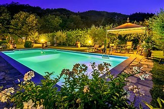 surrounded by woods and Ferlder, with pool, 6 person