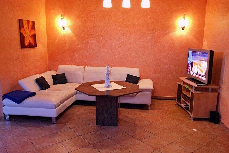 Neue Couch im Wohnzimmer Erdgeschoss