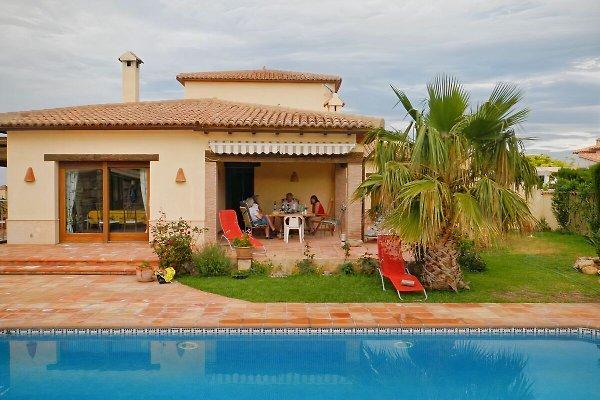 Buena Vista mit beheizbarem Pool  in Beniarbeig - Bild 1