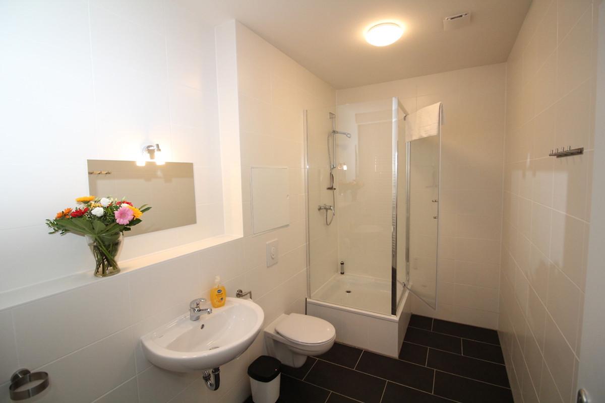 appartement freesie ferienwohnung in berlin tempelhof sch neberg mieten. Black Bedroom Furniture Sets. Home Design Ideas