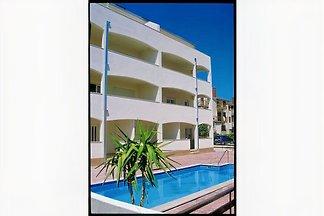 Casa con piscina Nadja ***