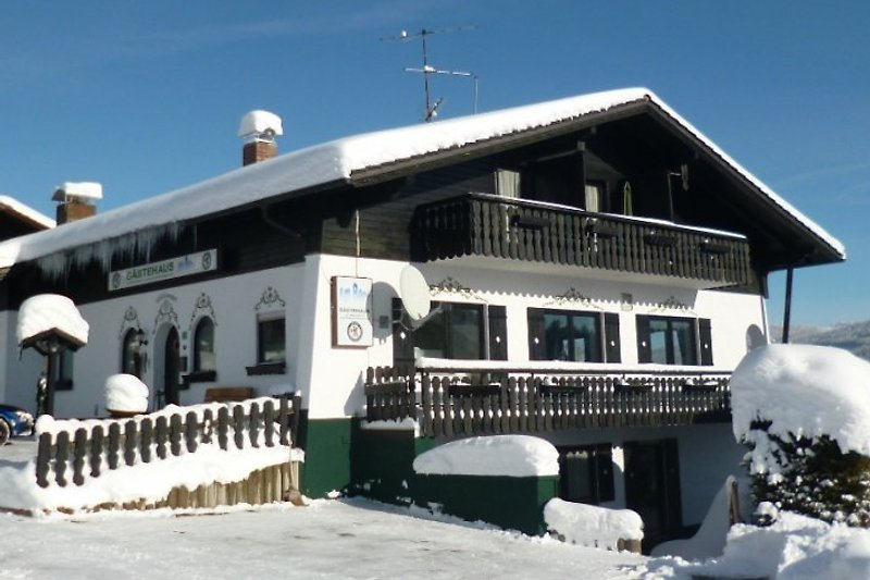 Gästehaus am Berg in Winter