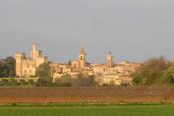 Maison de village avec cour à Pouzilhac - Image 1