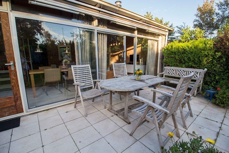 Terrasse und Garten Bungalow 37