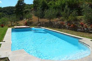 Ferienhaus f. 8 Personen mit Pool