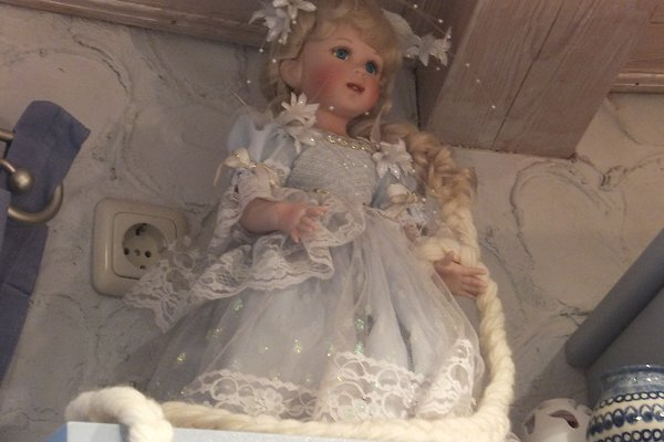 Frau S. Doll