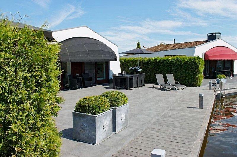 Terrasse Ringseite