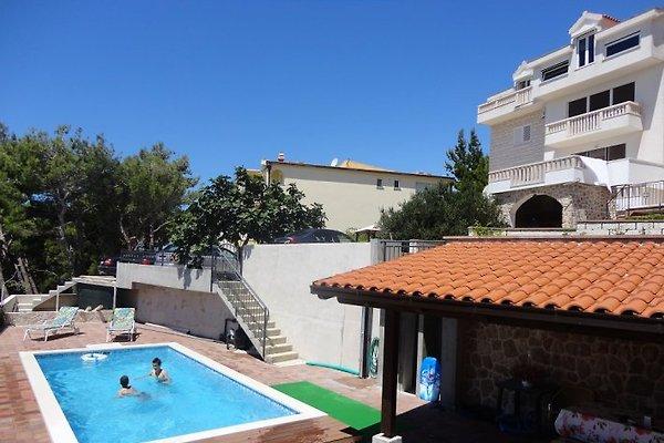 Villa Rose con nuova piscina in Omiš - immagine 1