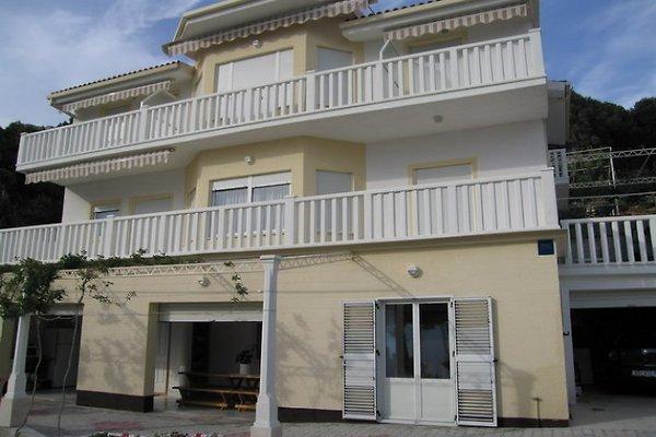 maison Juliana à Omiš - Image 1