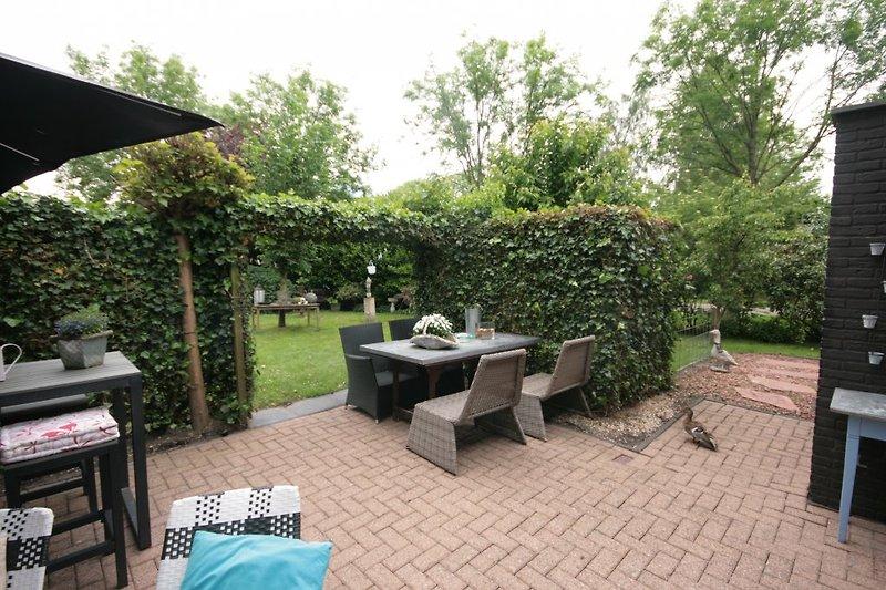 grosser Terrasse mit Sudlage