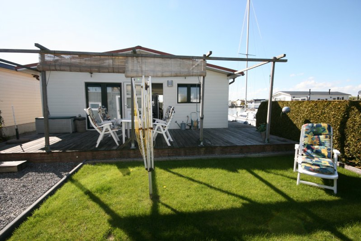 Chalet ibiza ferienhaus in lemmer mieten for Etagenbett 180x200