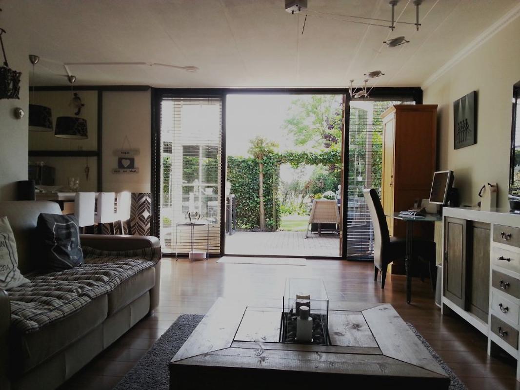 haus lemmer strand nah ferienhaus in lemmer mieten. Black Bedroom Furniture Sets. Home Design Ideas