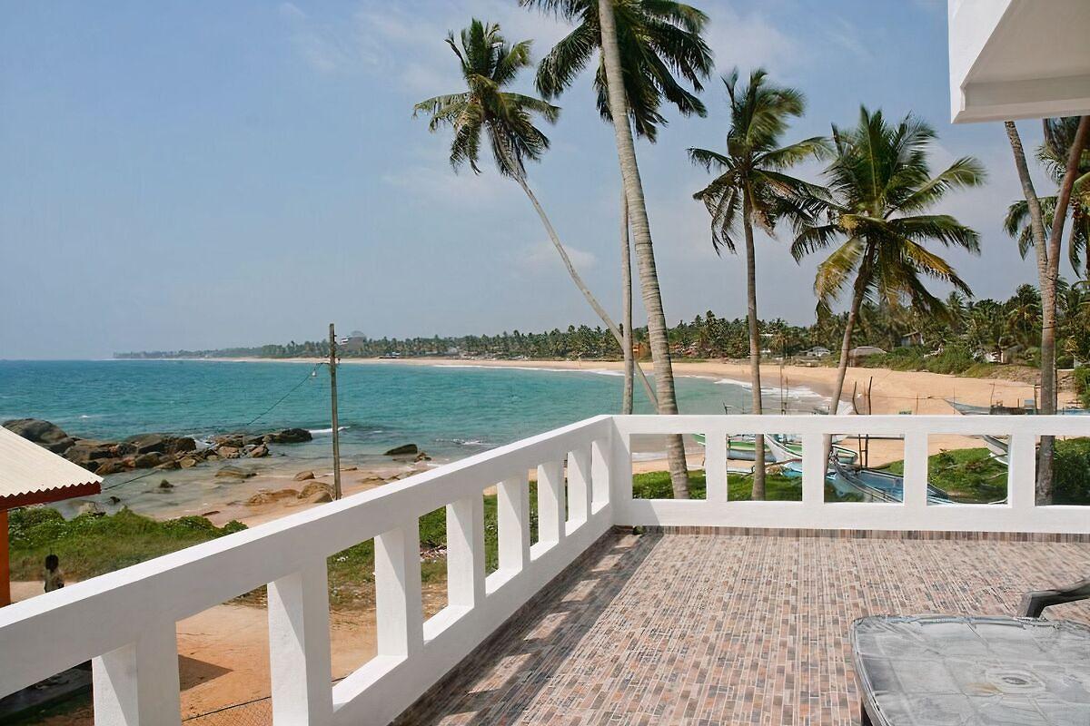 dodanduwa beach house ferienhaus in hikkaduwa mieten. Black Bedroom Furniture Sets. Home Design Ideas