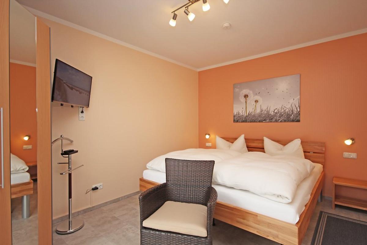 stormhus im ortszentrum ferienwohnung in b sum mieten. Black Bedroom Furniture Sets. Home Design Ideas