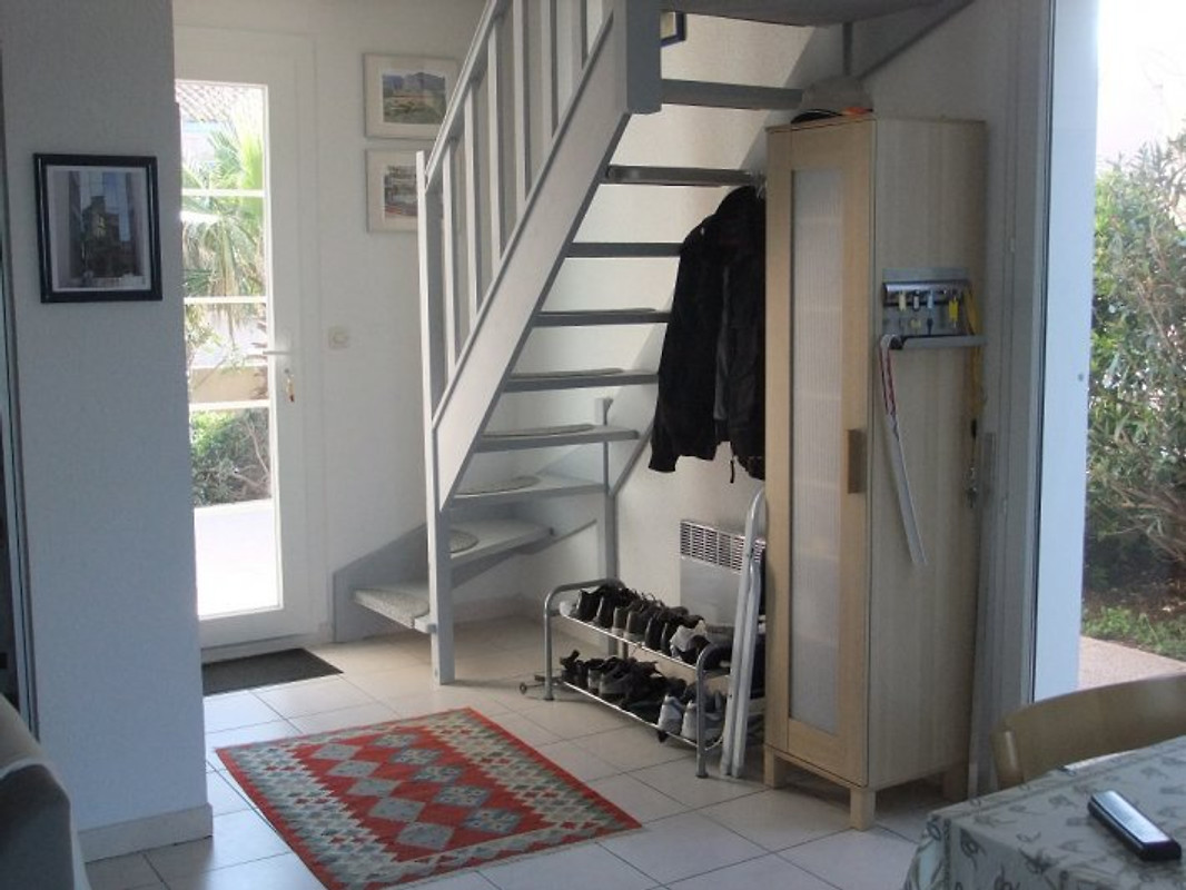 ferienhaus mit traumblick ferienhaus in saint pierre la mer mieten. Black Bedroom Furniture Sets. Home Design Ideas