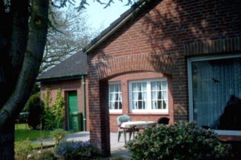 haus am see ferienhaus in hage mieten. Black Bedroom Furniture Sets. Home Design Ideas