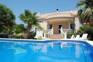 Dream vila s privatnim bazenom u neposrednoj blizini plaže