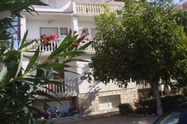 Casa SARA: Aparte / 6/2 y 5 habitaciones en Banjol - imágen 1