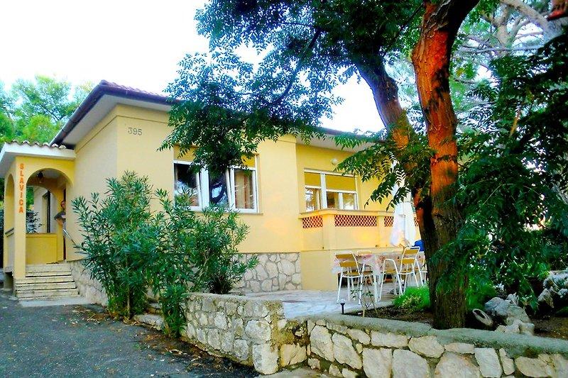 Apartment SLAVICA für 4 bis 5 Pers