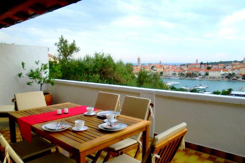 Apart/4 Hanni, die Terrasse