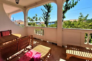 Charming Apartment MariLavanda Rab
