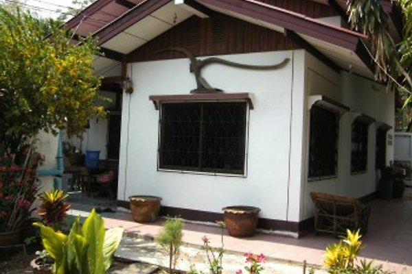 Wohnhaus mit Garten  in Tatako - Bild 1