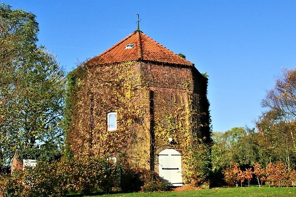 Windmühlenturm bei Greetsiel à Schoonorth - Image 1