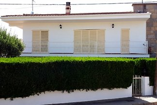 Wonderfull house 3 bedrooms for up to 6 people with private pool and garden with lawn.  Certified Covid-19 desinfection