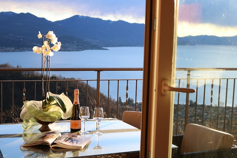 Ihre Aussicht auf dem Lago Maggiore