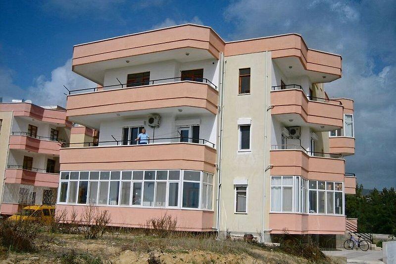 Die Wohnung:Mittlere Etage/Balkon vor der Wohnküche