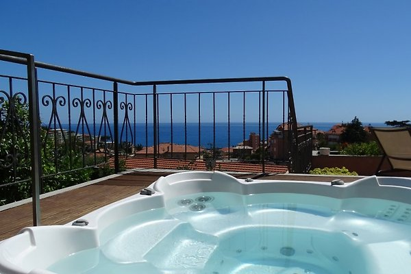 casa delmi terrasse mit whirlpool ferienhaus in imperia mieten. Black Bedroom Furniture Sets. Home Design Ideas