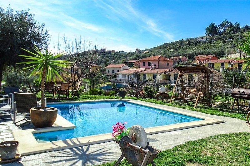 Garten & privater Pool (5 x 3,50 x 1 m)