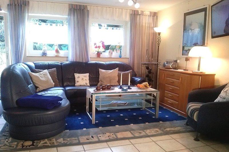 Wohnzimmer Ferienwohnung 'Max' mit Echtleder-Eckgarnitur von Himolla