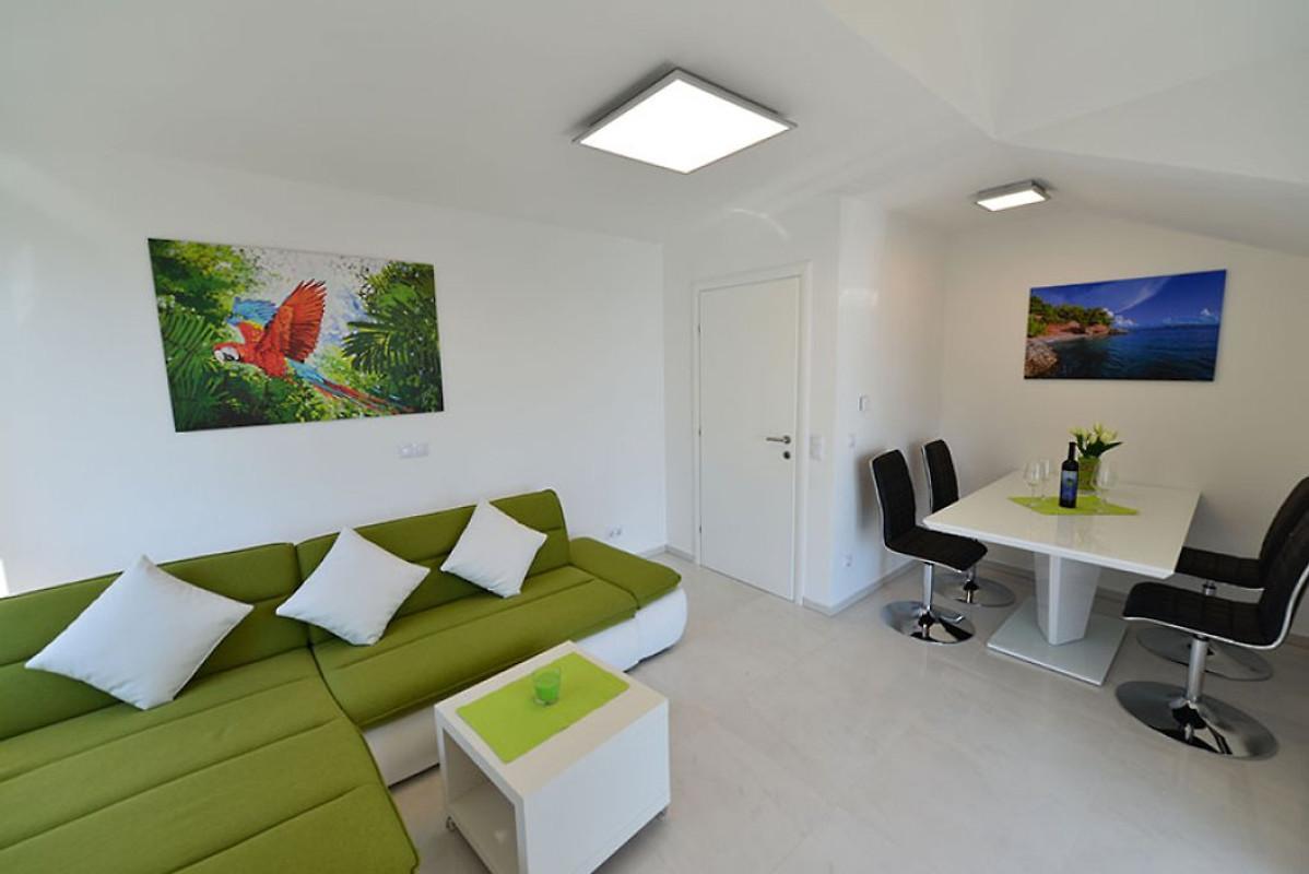 Apartments petrovac eiland hvar vakantie appartement in zavala huren - Centrale eiland prijzen ...
