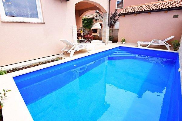 Ferienhaus kika fur 8 mit pool ferienhaus in pula mieten - Pool fur balkon ...