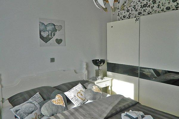 miracle fur 4 5pax mit meerblick ferienwohnung in peroj mieten. Black Bedroom Furniture Sets. Home Design Ideas