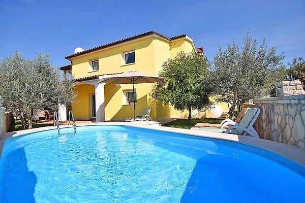 Casa vacanza con piscina per 7 9 lily casa vacanze in - Casa vacanza con piscina ...