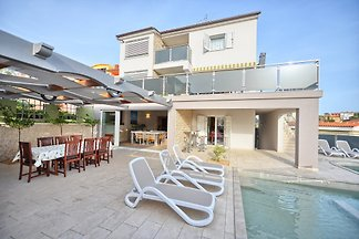 Villa Lavender avec piscine, max.12 pax