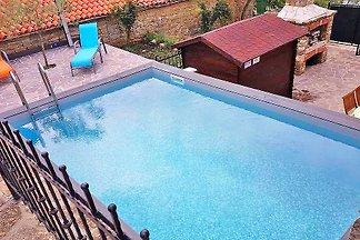Villa Iria mit Pool