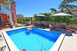 Villa VESNA mit Pool