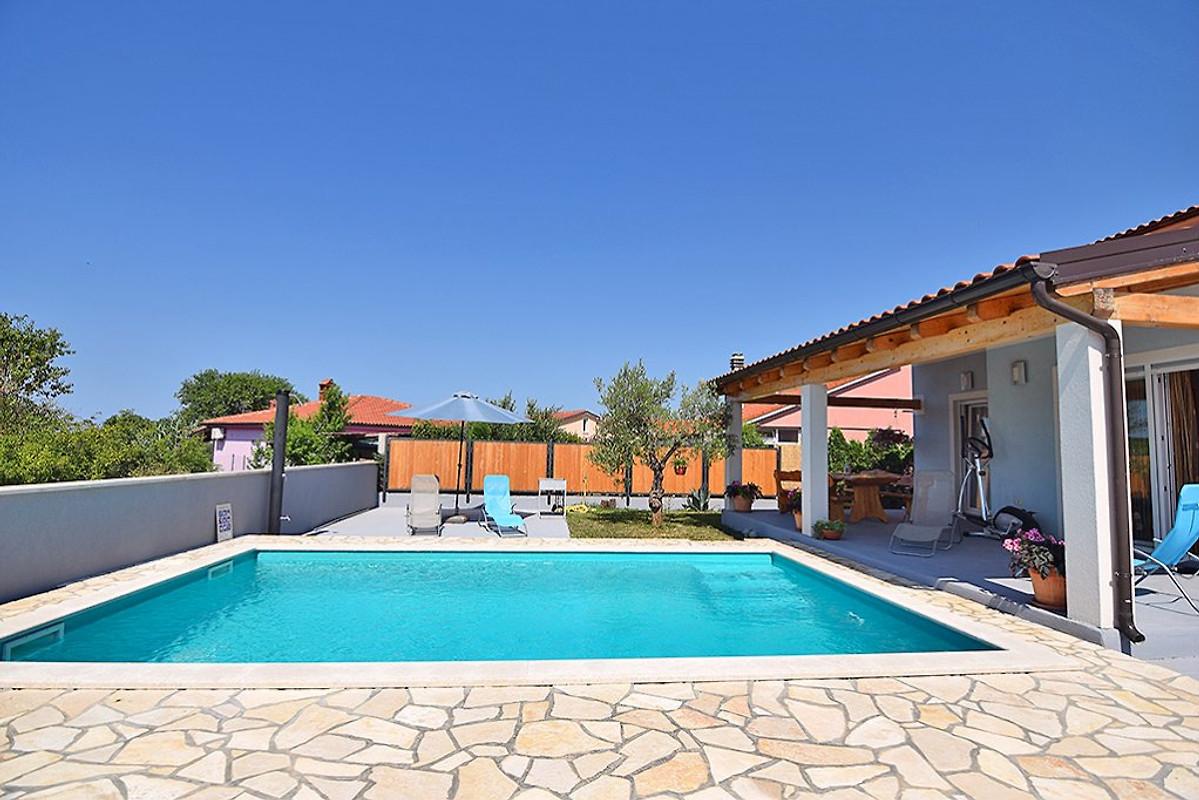 Ferienhaus enza fur 6 mit pool ferienhaus in pula mieten - Pool fur kleinkinder ...