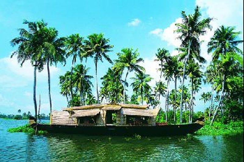 Eco Trails Houseboats en Kumarakom - imágen 2