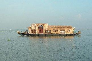 Tharavadu Houseboat