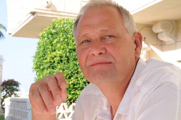 Monsieur H. Van Schaik