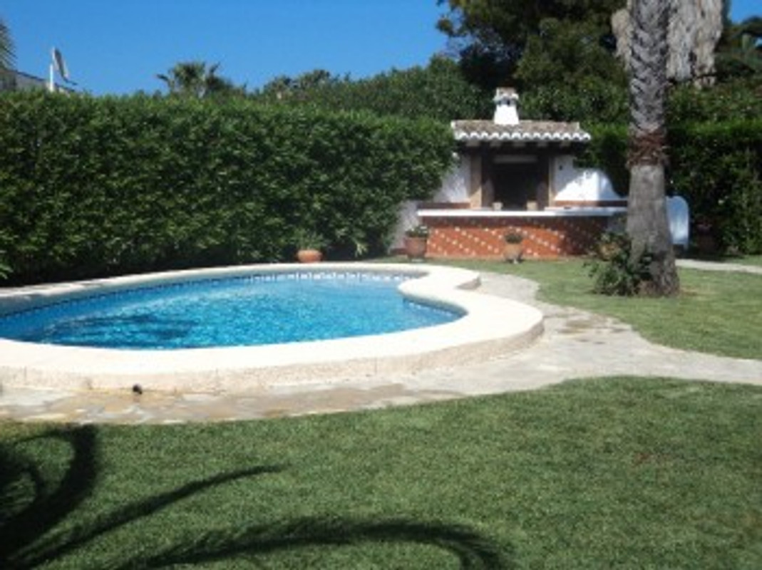 villa rosa am strand denia ferienhaus in denia mieten. Black Bedroom Furniture Sets. Home Design Ideas