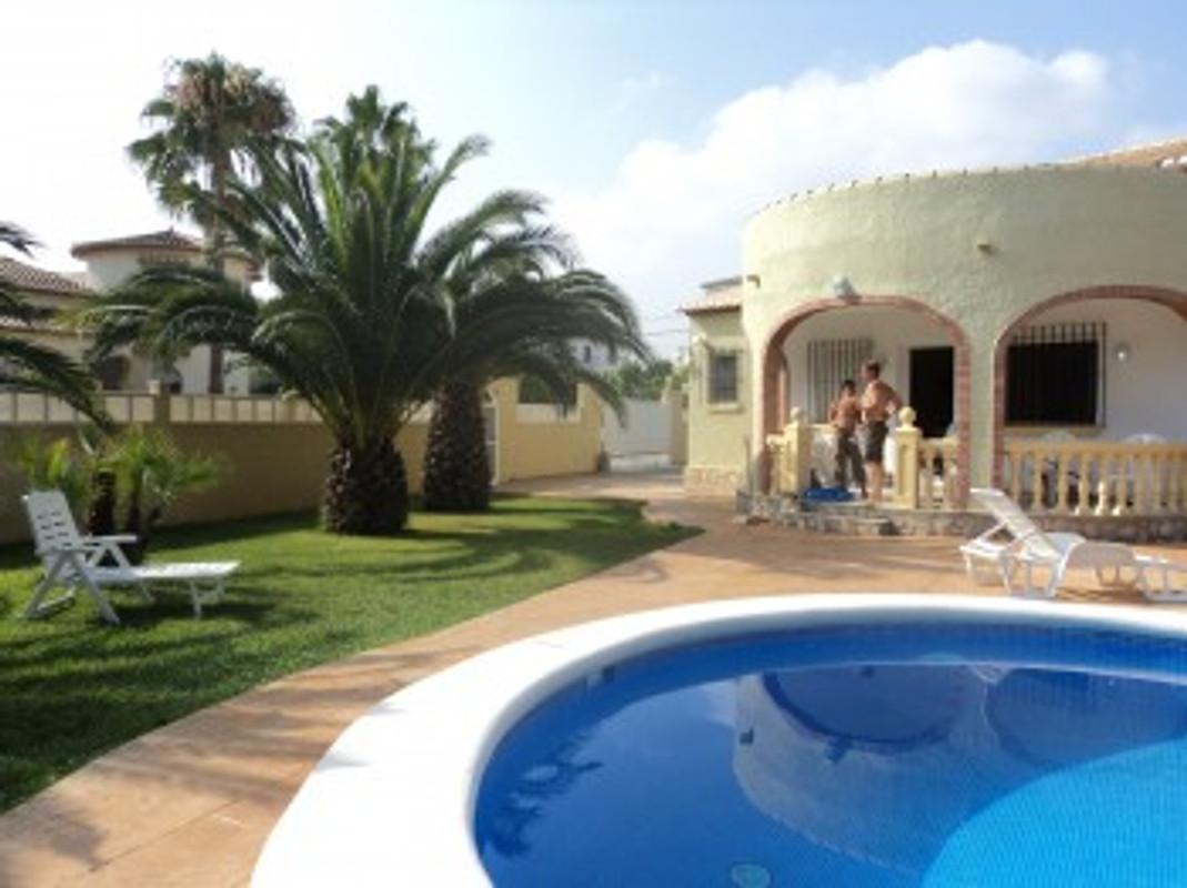 Casa ana sulla spiaggia di sabbia casa vacanze in denia for Design di architettura casa sulla spiaggia